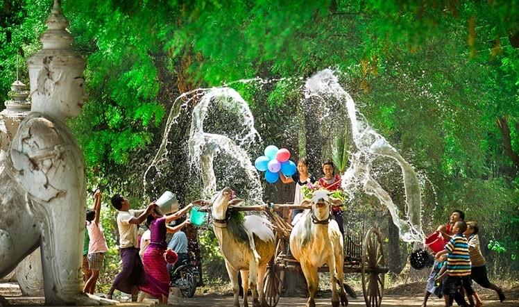 Lễ hội té nước diễn ra ở khắp đất nước Thái Lan