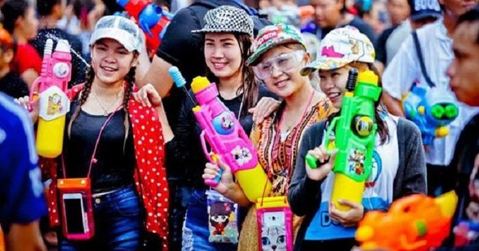 Cần chú ý khi tham gia lễ hội Té nước Thái Lan