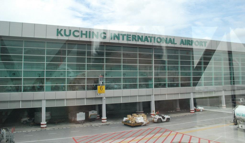 Sân bay quốc tế Kuchinh (KCH)