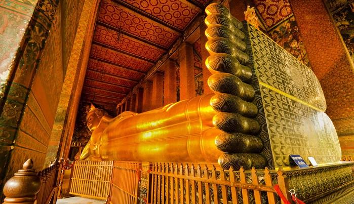Chùa Wat Pho dài 15m