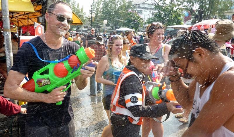 Mọi thứ đều bị ướt ở Songkran Festival
