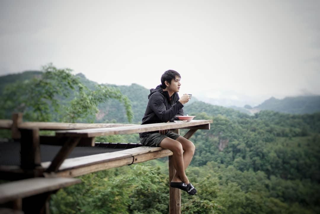 Thưởng thức bữa sáng trên ngọn núi Jabo
