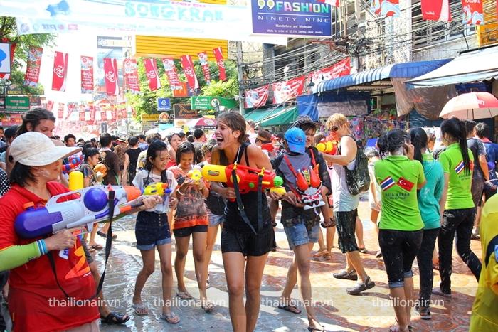Lễ hội Songkran ở Khao San